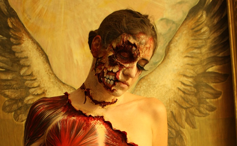 Halloween Bodypainting mit SFX MakeUp von Senjo Color
